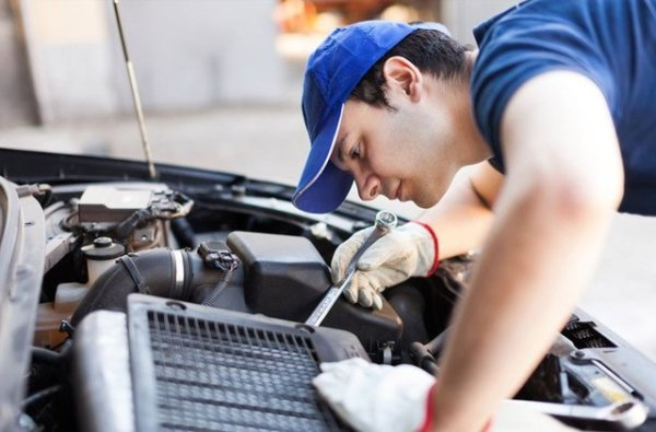 The Essential Tips How to do Car Maintenance